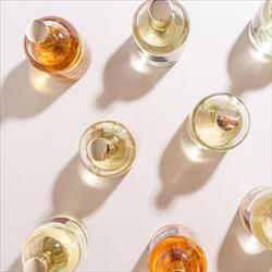YDENTIK - PERFUME BAR CONCEPT, é um conceito de perfumaria 100% português inserido no grupo Nortempresa.