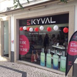 A EKYVAL Perfumes Low Cost já chegou a Espinho
