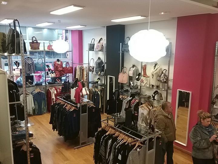"""""""Maximum Vip Fashion – tudo 12€ cresce em Espanha e abre loja na cidade de Burgos."""