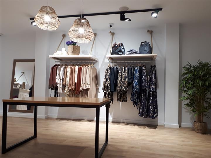 O franchising de moda aimé acaba de lançar uma promoção de desconto de € 2.000