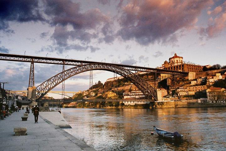 Jani-King Procura Franchisados No Porto(Negócios Garantidos)