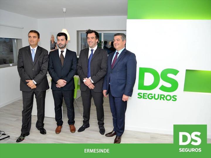 Ontem, foi inaugurada a DS SEGUROS ERMESINDE.