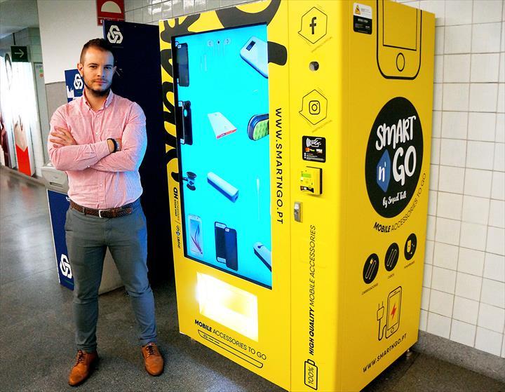 A Smart n'Go é uma marca de vending machines que se dedica à comercialização de produtos da mais recente tecnologia e que procura proporcionar aos Clientes